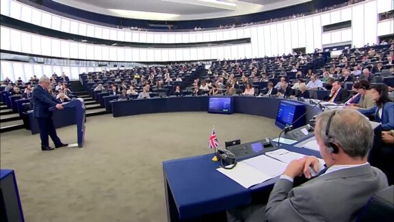 MEPs voice concern at 'paralysis' of Polish Constitutional Court