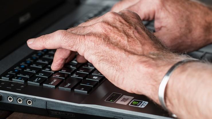 Oszukał 68-latka na 30 tys. zł. Zażądał haseł i loginów do konta
