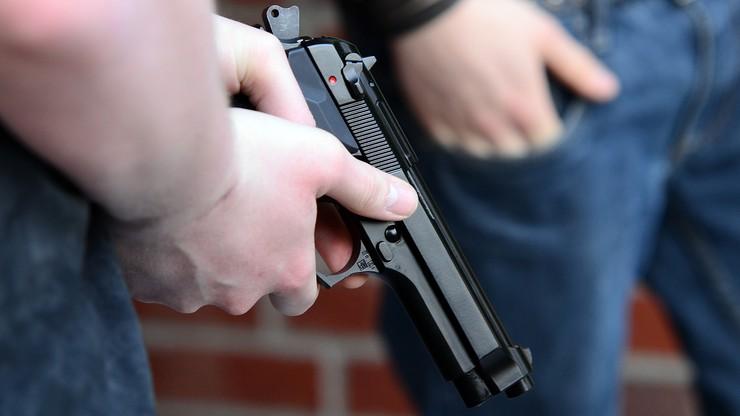 Strzelił do sprzedawcy, który kazał mu założyć maseczkę. 35-latek zatrzymany [WIDEO]