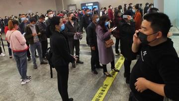 """Czy Chińczycy kłamią w sprawie liczby ofiar? """"Zniknęły"""" 22 mln użytkowników telefonów"""