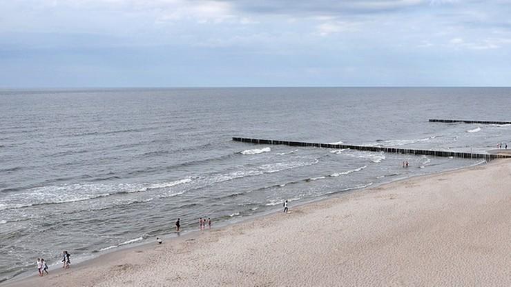 45-latek utonął przy niestrzeżonej plaży. Pływał z nim 14-latek