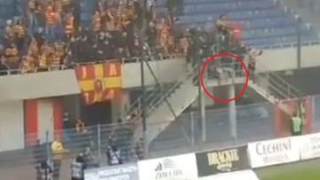 Wypadek na meczu Piast-Jagiellonia. Kibic spadł z trybuny [WIDEO]