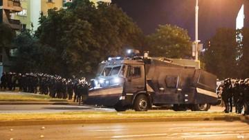 Kolejna noc protestów na Białorusi. Zginął jeden z demonstrantów