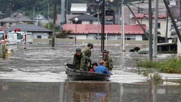 Japonia: ekipy ratunkowe poszukują ocalałych z tajfunu