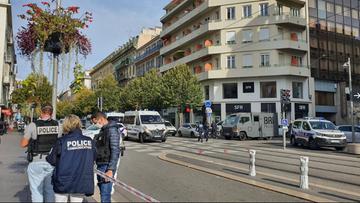 Ataki we Francji, trzy osoby zabite. Stan zagrożenia terrorystycznego w całym kraju