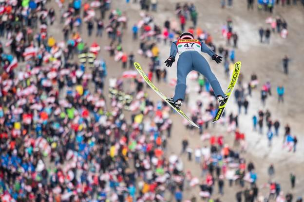 Kamil Stoch skoczył na odległość 232 metrów
