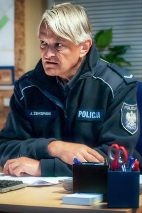 """""""Święty"""" - odcinek 16: Biznesmen na policyjnym dywaniku"""