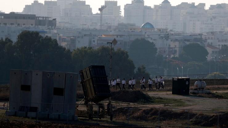 Izrael: ze Strefy Gazy wystrzelono kolejne rakiety. Rośnie liczba ofiar