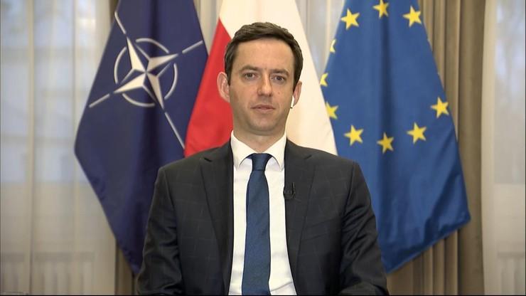 """""""Nie ugniemy się, chodzi o zasady"""". Wiceszef MON o unijnych negocjacjach"""