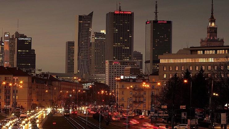 Koronawirus. Warszawa w strefie zagrożonej dodatkowymi obostrzeniami