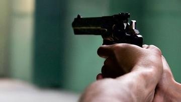 Nastolatek planował strzelaninę w szkole. Matka wydała go policji