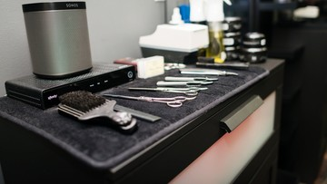 Otwarcie salonów fryzjerskich. W niektórych nie ostrzyżesz się aż do wakacji