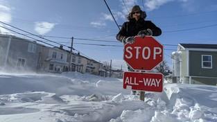 19-01-2020 07:00 Tak mocno śnieg w Kanadzie jeszcze nie sypał. Zaspy mają nawet kilka metrów wysokości