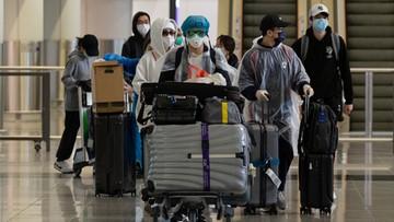 """""""Daily Mail"""": Chińczycy wracają do ojczyzny, by... uniknąć koronawirusa"""