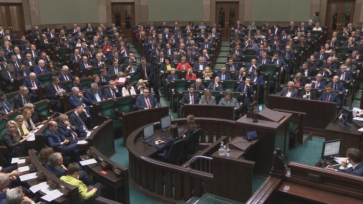 Finansowanie 13. emerytur i rent socjalnych z Funduszu Solidarnościowego. Jest decyzja Sejmu