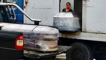 Ciała zmarłych na ulicach i w domach nieodbierane od wielu dni - koronawirus w Ekwadorze