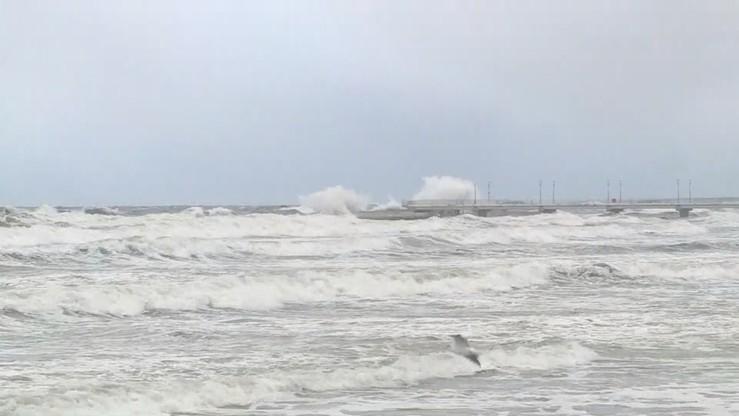 Ostrzeżenia pogodowe. Silny wiatr na Pomorzu i sztorm na Bałtyku