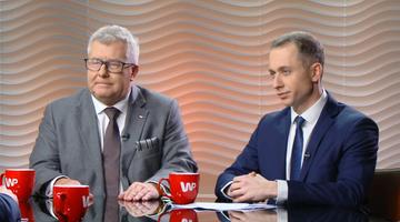 """""""Podpisuję się pod nimi"""" vs. """"zawiedzione ambicje"""". Tomczyk i Czarnecki o słowach Tuska w #Newsroom"""