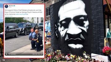 Szef policji w Minneapolis klęczał przed karawanem z ciałem George'a Floyda