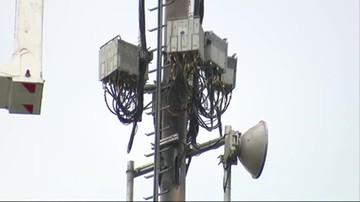 Trwa walka z 5G. Podpalenia wież i okablowania