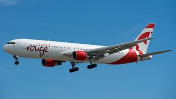 Awaryjne lądowanie samolotu z powodu... owocu