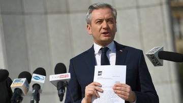 Biedroń zaprosił Kidawę-Błońską i Kosiniaka-Kamysza na rozmowę o poprawkach tarczy antykryzysowej