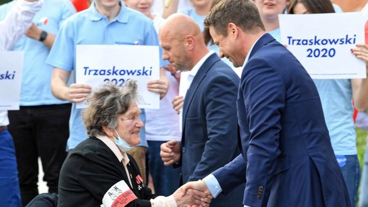 """Wyjątkowy gość na wiecu Trzaskowskiego. """"Wstańcie do głosowania"""""""