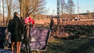 Spalone zwłoki w lesie. 19-latek podejrzewany o zabójstwo ojca