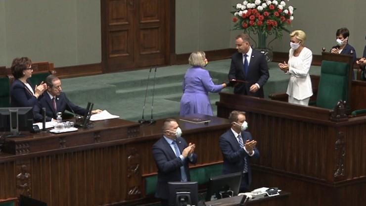 Posłanka Lewicy podeszła do prezydenta. Wręczyła mu list