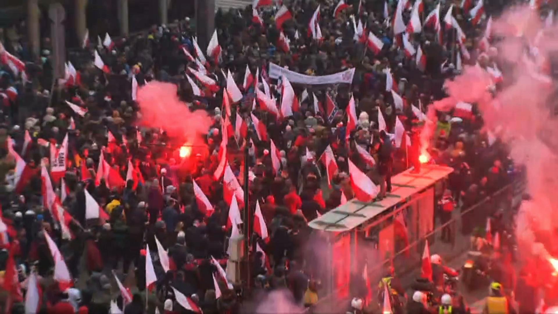 Zamieszki, podpalone mieszkanie, duże zniszczenia. Policja podsumowuje marsz narodowców