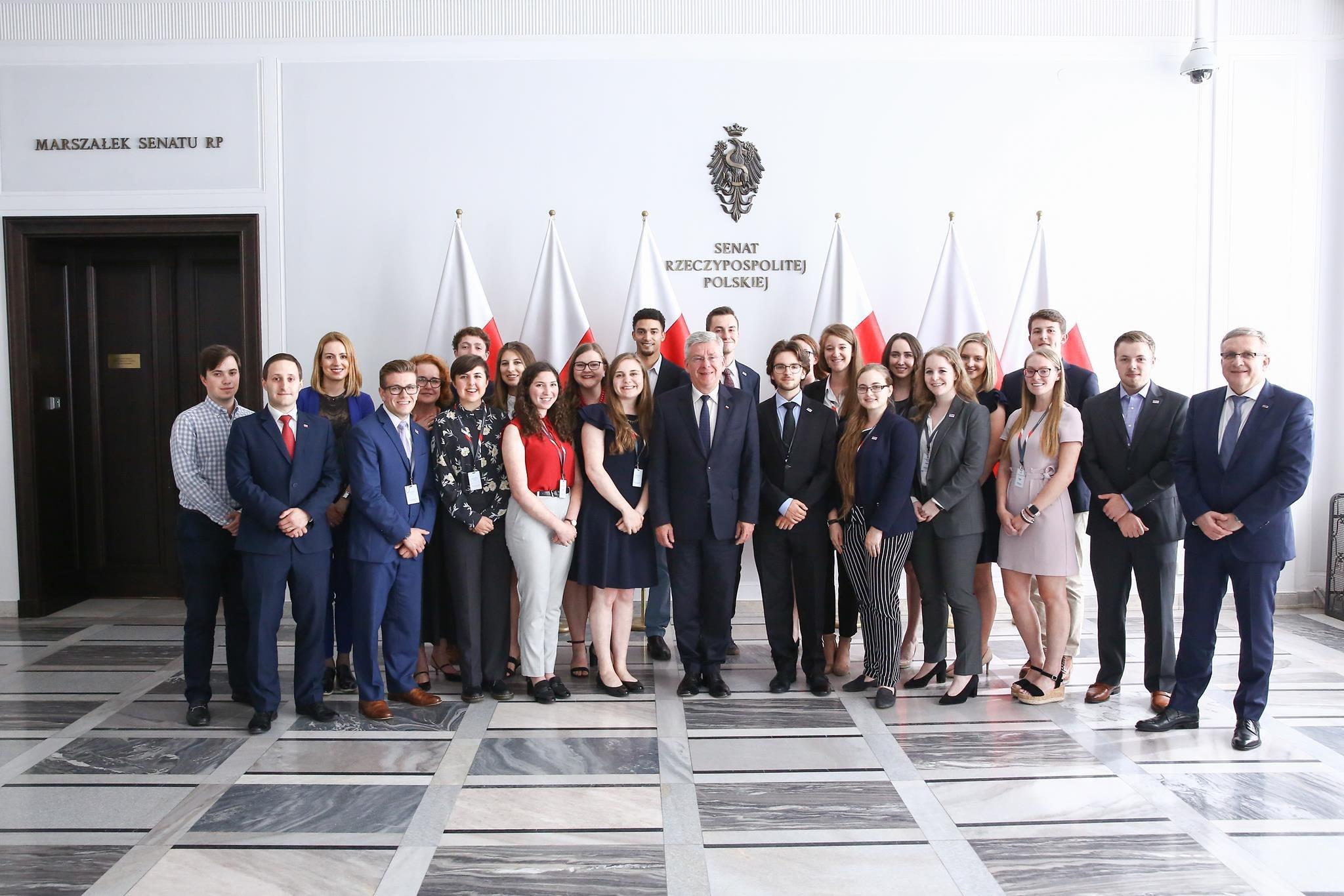 Spotkanie marszałka Senatu Stanisława Karczewskiego z amerykańskimi studentami – uczestnikami Stażu Prezydenckiego