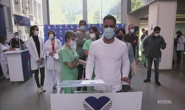 Masowa akcja szczepień przeciw COVID-19 w Izraelu